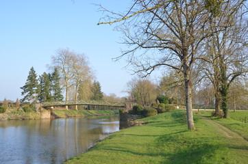 Canal de Nantes à Brest, Blain, France