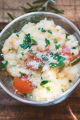 Risotto mit Tomaten und Zuchini, Parmesan und Petersilie