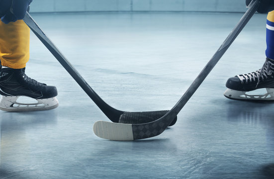 Ice hockey players on the grand ice arena
