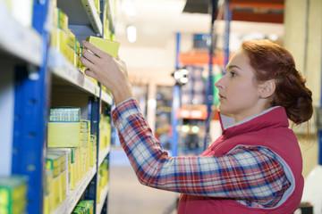shelf store filler