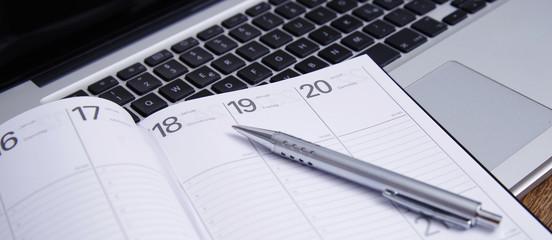Einen Termin in den Kalender eintragen