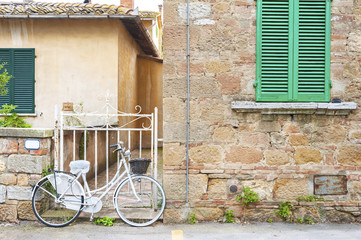 Fototapete - Bicycle in street in old town Pienza of Tuscany, Italy, Europe