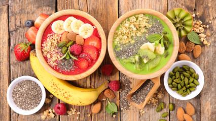 healthy breakfast, smoothie bowl