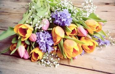 Fototapete - Grußkarte - Blumenstrauß - Frühling