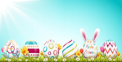 Frohe Ostern Hintergrund mit Osterei Set und Osterhase auf Frühling Wiese