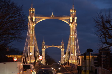 london albert bridge
