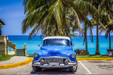 Garden Poster Cars from Cuba HDR - Amerikanischer blauer Oldtimer mit weissem Dach parkt am Strand von Varadero Kuba - Serie Cuba Reportage