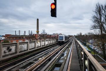 métro an action.