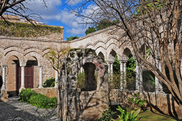 Palermo, rovine del chiostro di San Giovanni degli Eremiti