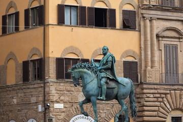 フィレンツェのコジモ1世の銅像