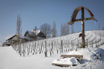 Marterl, Bildstock im Winter an der südsteirischen Weinstrasse,Steiermark,Österreich
