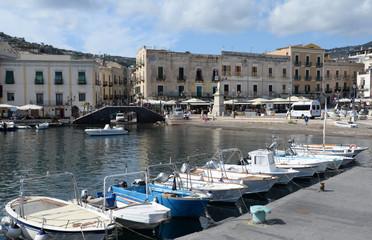 Fischerhafen von Lipari