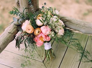 Light pastel flower bouquet