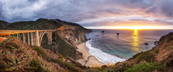 Bixby Creek Bridge on Highway 1 at the US West Coast traveling south to Los Angeles, Big Sur Area,...
