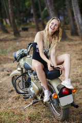 bw motorgirl