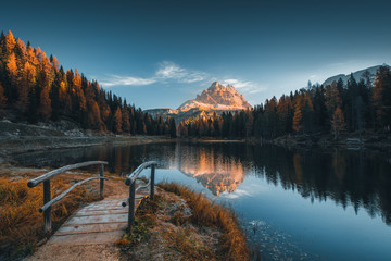 In de dag Blauwe jeans Morning view of Lago Antorno, Dolomites, Lake mountain landscape with Alps peak , Misurina, Cortina d'Ampezzo, Italy