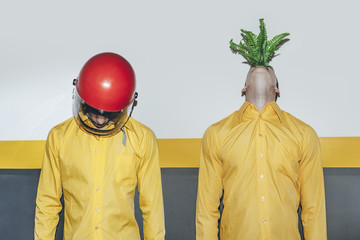 RED,GREEN,PLANT,NATURE,YELLOW,FASHION,CONTRAST,RACE,ATTITUDE
