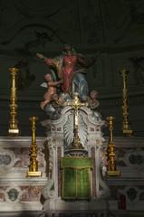 Corsica, 05/09/2017: dettagli dell'altare della Basilica di Santa Maria Maggiore, la chiesa cattolica in stile romanico di Bonifacio, nel sud della Corsica
