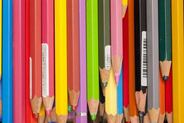renkli aquarelle kalemler