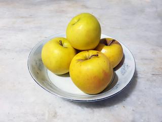 Yellow apple plate