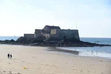 Foto auf Leinwand Befestigung Fort National bei Saint-Malo
