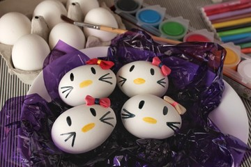 Kitty easter eggs