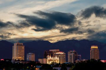 Fototapete - Close up of the city of Salk Lake City Utah at night
