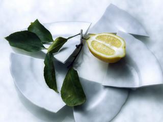citron , jaune ,fruit , feuille  , agrume