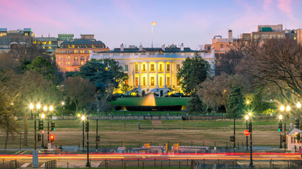 Fototapete - The White House  in Washington, D.C. United States