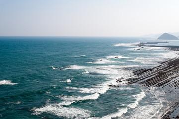 エメラルド色の太平洋の海