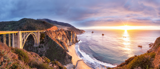 Bixby Creek Bridge on Highway 1 at the US West Coast traveling south to Los Angeles, Big Sur Area, California Wall mural