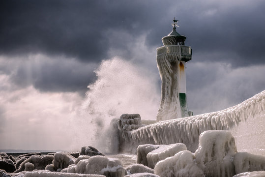Frozen Lighthouse in Winter / Leuchtturm im Winter