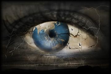 Surreales Bild von einem Auge in dessen Blick der Weltuntergang thematisiert wird.