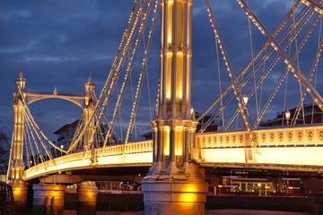 london albert bridge