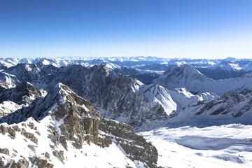 Blick von der Zugspitze auf das Alpenpanorama