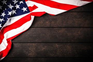Fotoväggar - USA flag on wood background