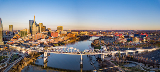 Fototapete - Nashville skyline with bridge