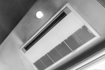 エアコン 天井