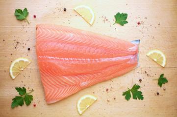 saumon cru vue de dessus