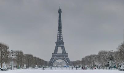 Paris en Hiver sous la neige