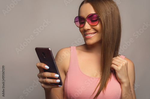 Женщины в очках с большой грудью — photo 13