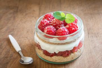 Foto auf Acrylglas Desserts Raspberry Dessert in Jar
