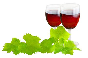 Rotwein und Weinlaub