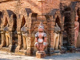 バガン遺跡の石造