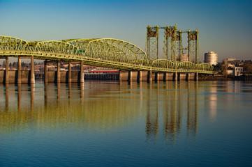 Portland–Vancouver Highway Bridge in the Morning Fotomurales