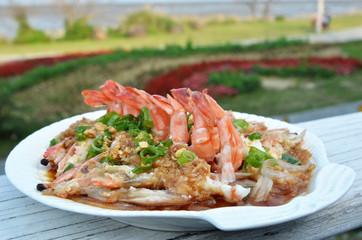 Chinese cuisine - Steamed prawns with garlic