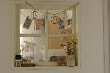 カフェ風小窓