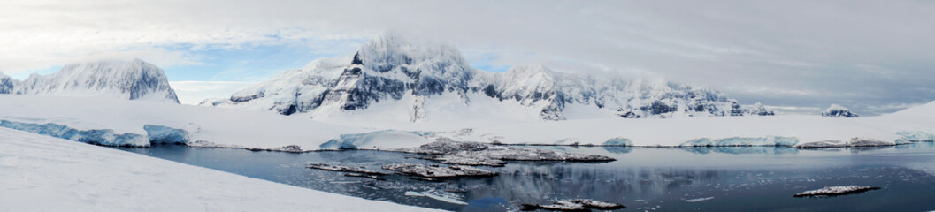 Poster Antarctica Looking down to Port Lockroy on Wiencke Island in Antarctica.