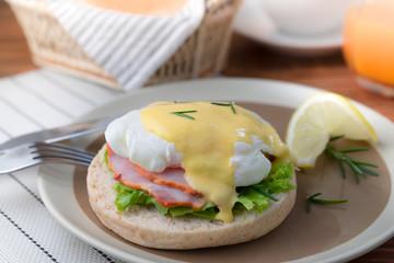 egg benedict