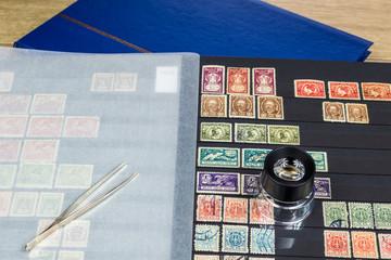 Album ze znaczkami pocztowymi